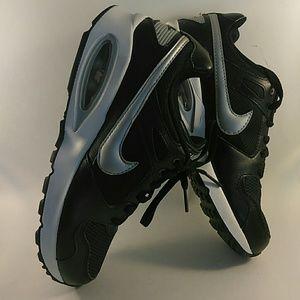New women's Nike air Max black/white 7